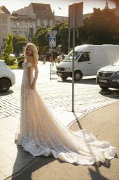Wedding dresses Denize Collection  City Passion  Silhouette  Fitted  Color  Blush  Ivory  Neckline  Sweetheart  Sleeves  Sleeveless  Train  With train - foto 3