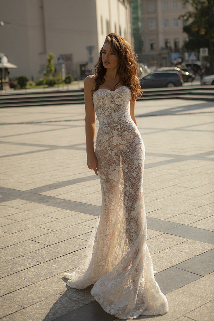 Wedding dresses Iness Collection  City Passion  Silhouette  Fitted  Color  Blush  Ivory  Neckline  Sweetheart  Sleeves  Sleeveless  Train  With train - foto 6