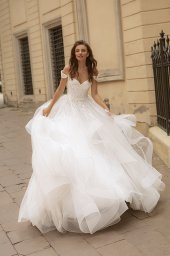 Wedding dresses Orabel Collection  City Passion  Silhouette  Ball Gown  Color  Ivory  Neckline  Sweetheart  Sleeves  Wide straps  Off the Shoulder Sleeves  Train  With train - foto 2