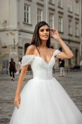 Wedding dresses Abel Collection  City Passion  Silhouette  A Line  Color  Ivory  Neckline  Sweetheart  Sleeves  Wide straps  Off the Shoulder Sleeves  Train  With train - foto 4