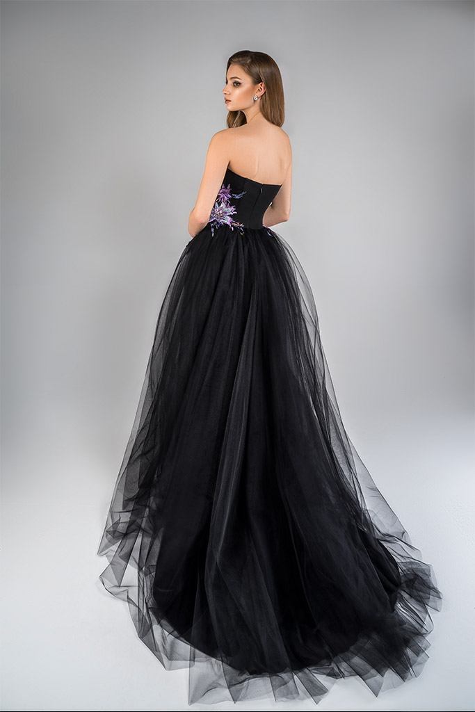 Evening Dresses 1784 Silhouette  A Line  Color  Black  Neckline  Sweetheart  Sleeves  Strapless  Sleeveless  Train  With train - foto 2