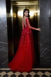 Evening Dresses 1844 Silhouette  A Line  Color  Red  Neckline  Portrait (V-neck)  Sleeves  Long Sleeves  Fitted  Train  No train - foto 5