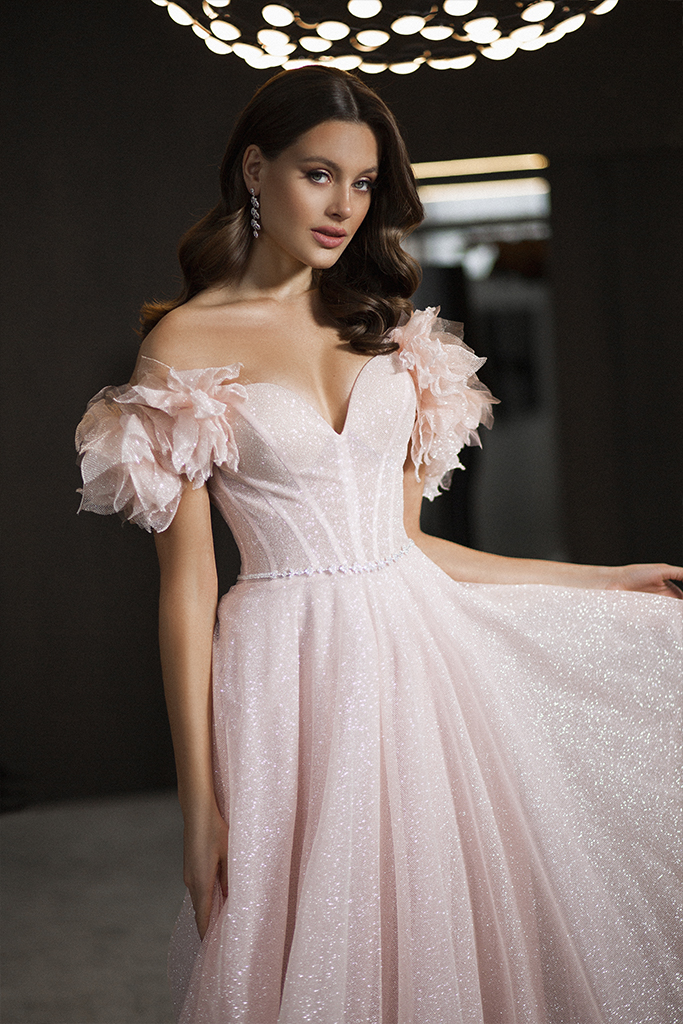 Evening Dresses 1830 Silhouette  A Line  Color  Pink  Neckline  Sweetheart  Sleeves  Wide straps  Off the Shoulder Sleeves  Train  No train - foto 3