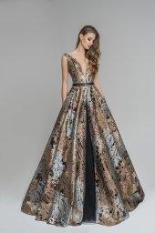 Evening Dresses 1780 Silhouette  A Line  Color  Gold  Neckline  Portrait (V-neck)  Sleeves  Wide straps  Train  No train - foto 7