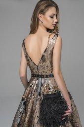 Evening Dresses 1780 Silhouette  A Line  Color  Gold  Neckline  Portrait (V-neck)  Sleeves  Wide straps  Train  No train - foto 3