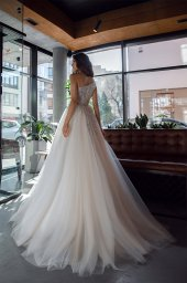 Wedding dresses Alexandria Collection  Gloss  Silhouette  Ball Gown  Color  Blush  Ivory  Neckline  Straight  Sleeves  One Shoulder  Train  With train - foto 4