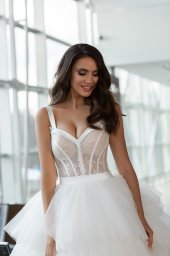 Wedding dresses Jaklin Collection  Gloss  Silhouette  Ball Gown  Color  Ivory  Neckline  Sweetheart  Sleeves  Wide straps  Train  With train - foto 3