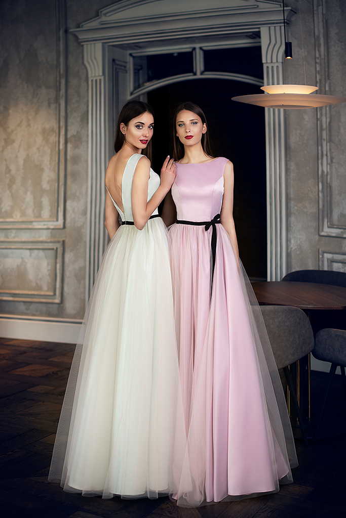 Evening Dresses 1425 Silhouette  A Line  Color  Green  Pink  Neckline  Portrait (V-neck)  Sleeves  Wide straps  Train  No train