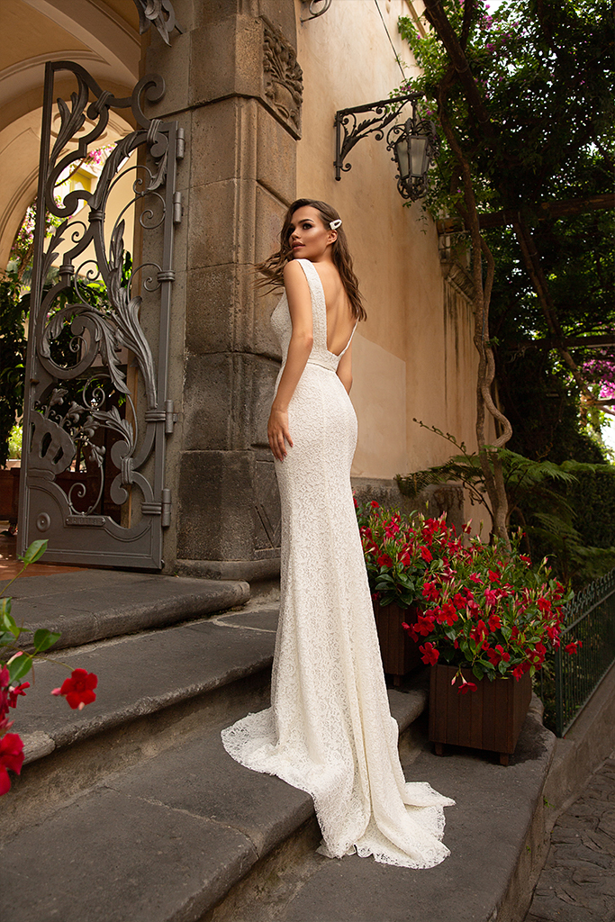 Wedding dresses Gianni Collection  Dolce Italia  Silhouette  Fitted  Color  Ivory  Neckline  Straight  Sleeves  Wide straps  Train  With train