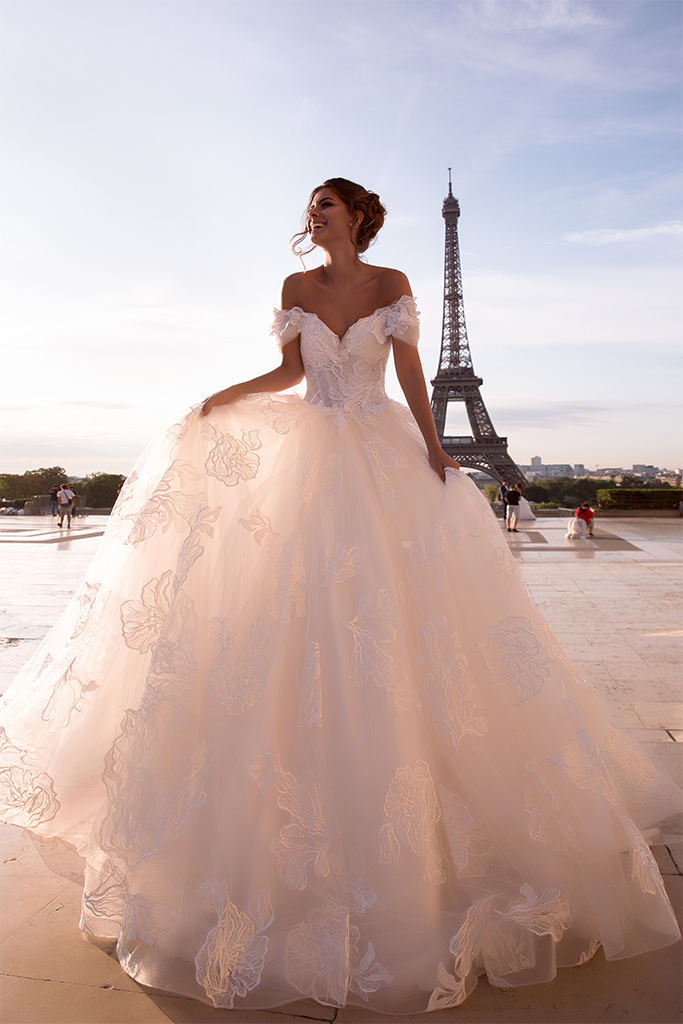 Wedding dresses Klementine Collection  L`arome de Paris  Silhouette  Ball Gown  Color  Ivory  Neckline  Sweetheart  Sleeves  Wide straps  Off the Shoulder Sleeves  Train  With train