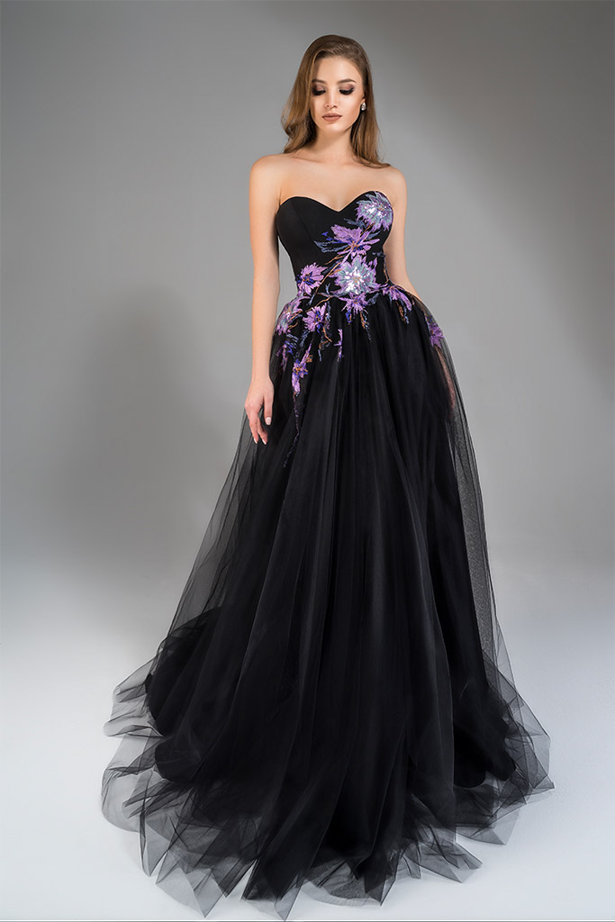 Evening Dresses 1784 Silhouette  A Line  Color  Black  Neckline  Sweetheart  Sleeves  Strapless  Sleeveless  Train  With train