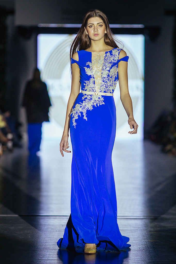 Evening gowns 932