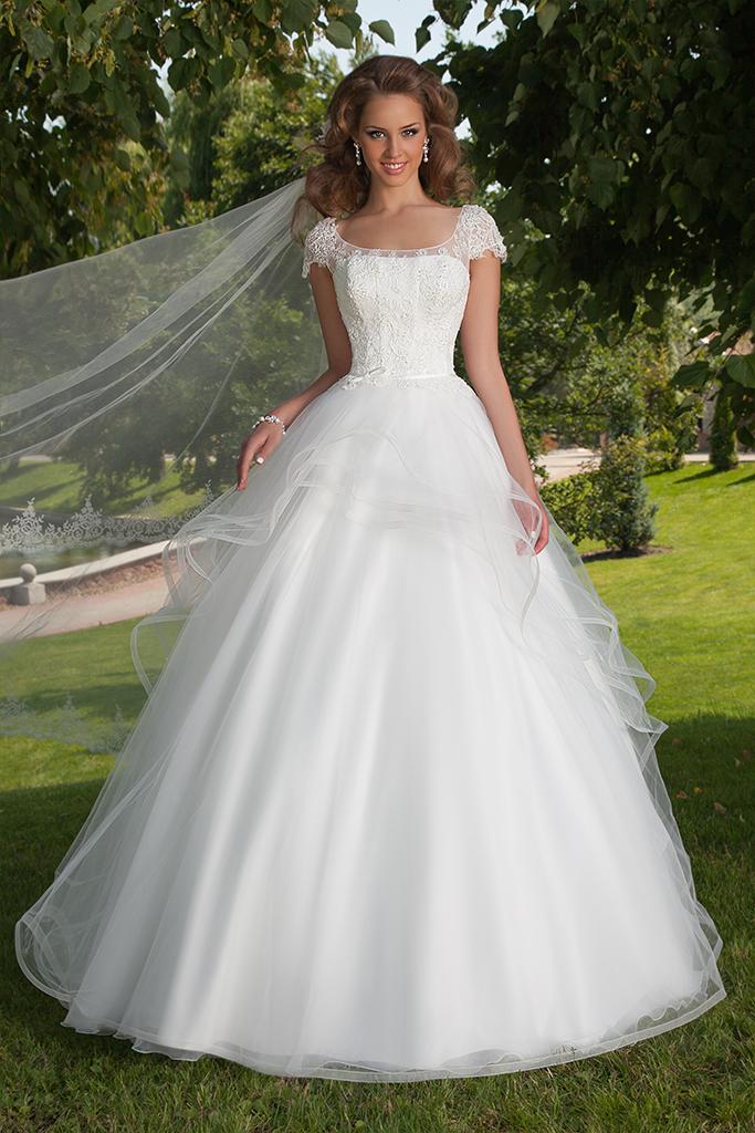Wedding dresses Delis
