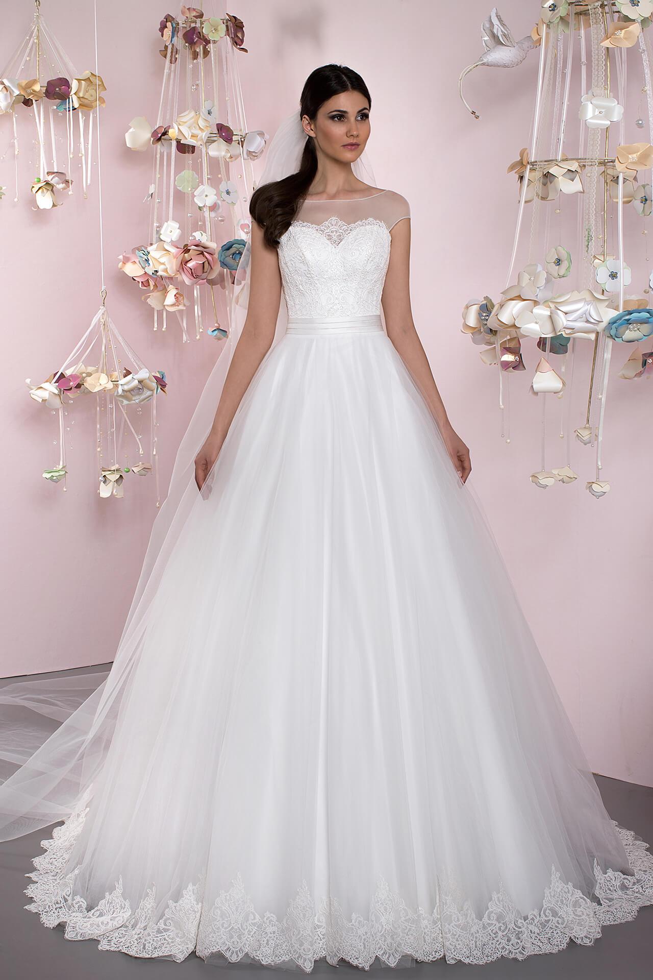 Wedding dresses Queen