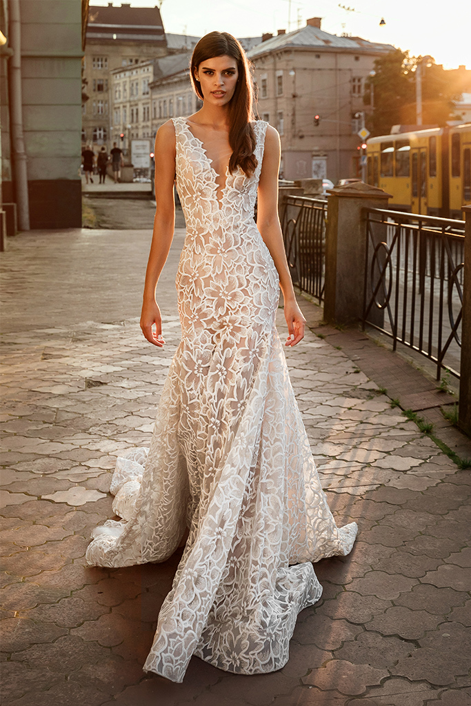 Wedding dresses Cameron Collection  City Passion  Silhouette  Fitted  Color  Ivory  Neckline  Portrait (V-neck)  Sleeves  Wide straps  Train  With train