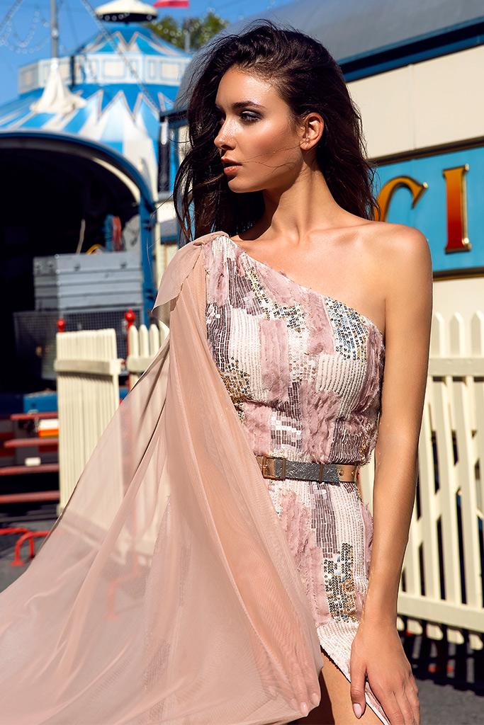 Вечірні сукні 1484 Силует  Прямий  Колір  Персиковий  Рожевий  Рукави  Одне плече