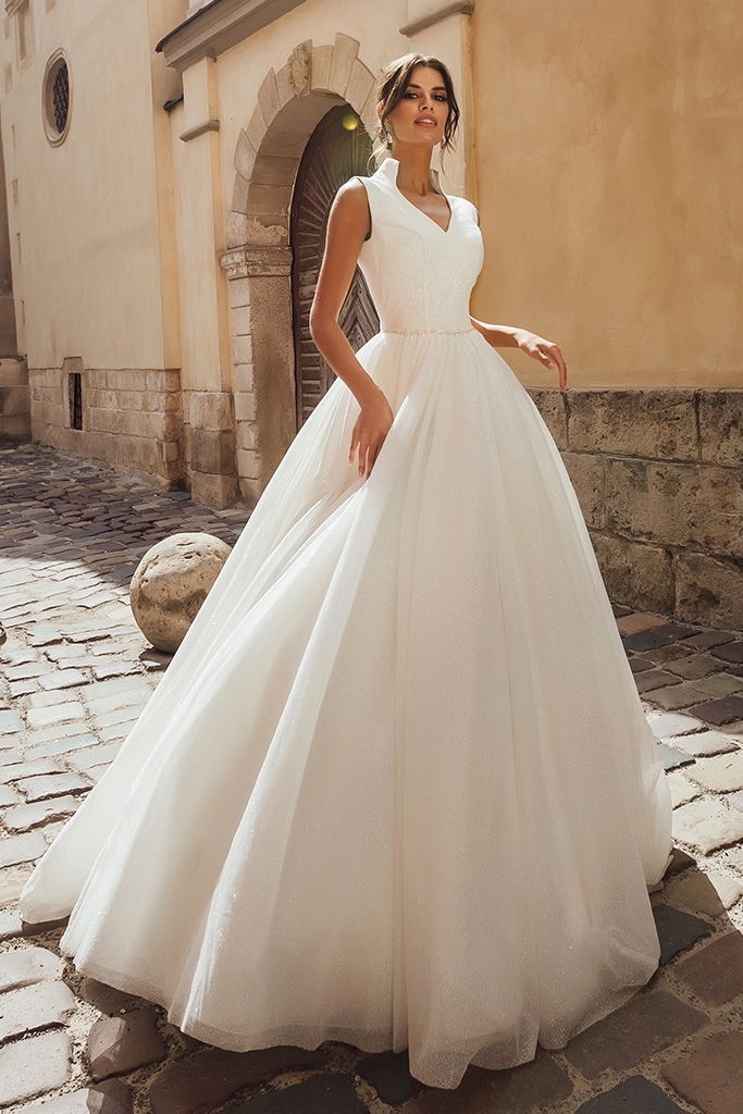 Wedding dresses Benedict Collection  City Passion  Silhouette  A Line  Color  Ivory  Neckline  Portrait (V-neck)  Sleeves  Wide straps  Train  With train