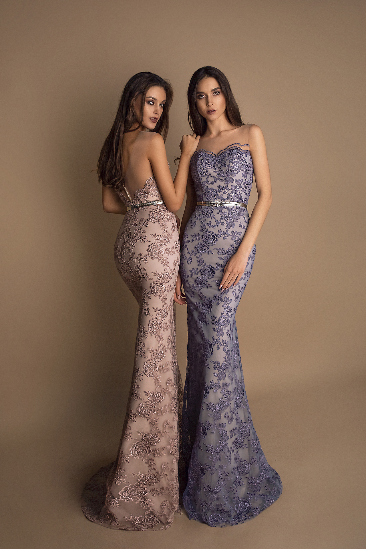 Evening Dresses 1614 Silhouette  Fitted  Color  Grey  Pink  Neckline  Sweetheart  Sleeves  Sleeveless  Train  No train