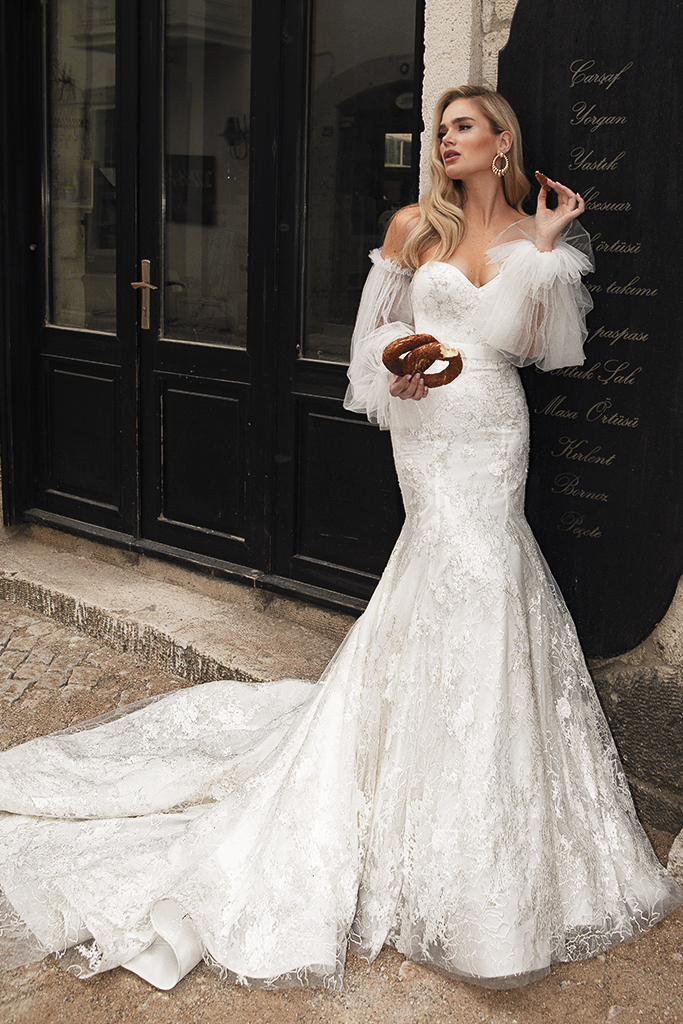 Wedding dresses Angelina Silhouette  Fitted  Neckline  Sweetheart  Sleeves  Sleeveless