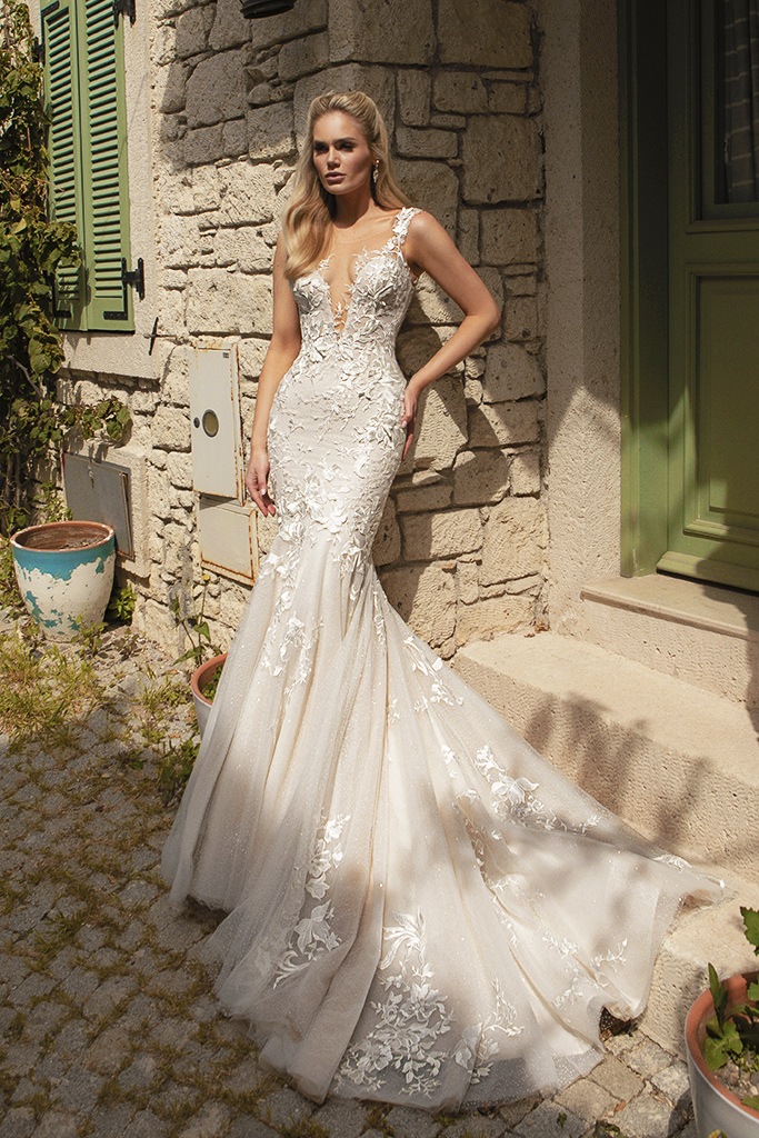 Wedding dresses Abigale Silhouette  Fitted  Color  Blush  Ivory  Neckline  Portrait (V-neck)  Sleeves  Wide straps  Train  With train