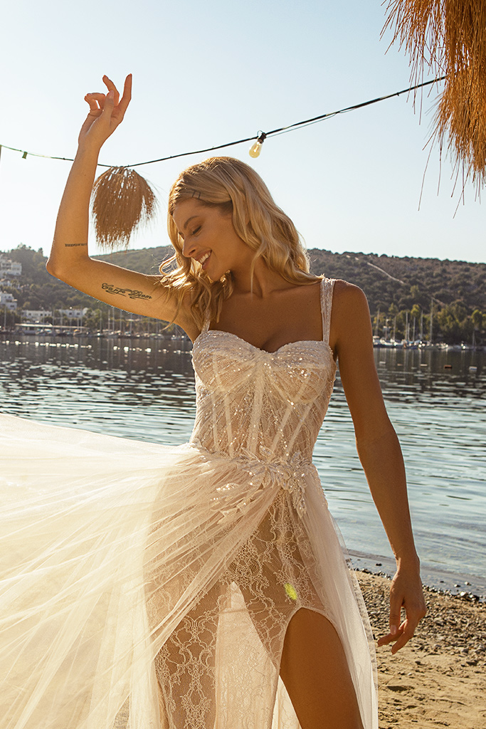 Wedding dresses Sia Silhouette  A Line  Color  Ivory-blush  Neckline  Sweetheart  Sleeves  Wide straps  Train  With train