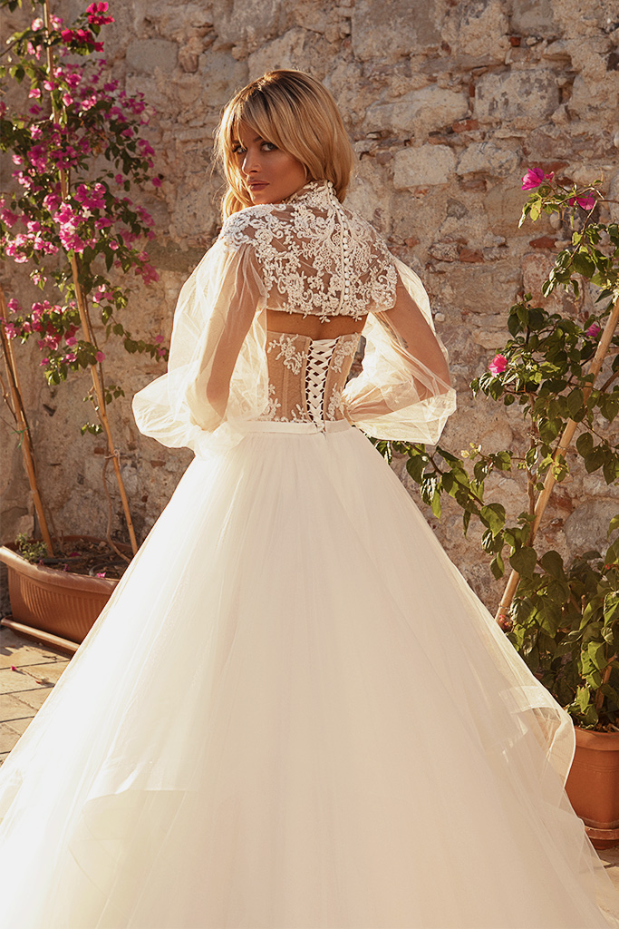 Wedding dresses Jardine with cape Silhouette  A Line  Color  Ivory-blush  Neckline  Sweetheart  Sleeves  Sleeveless  Train  Cape  With train