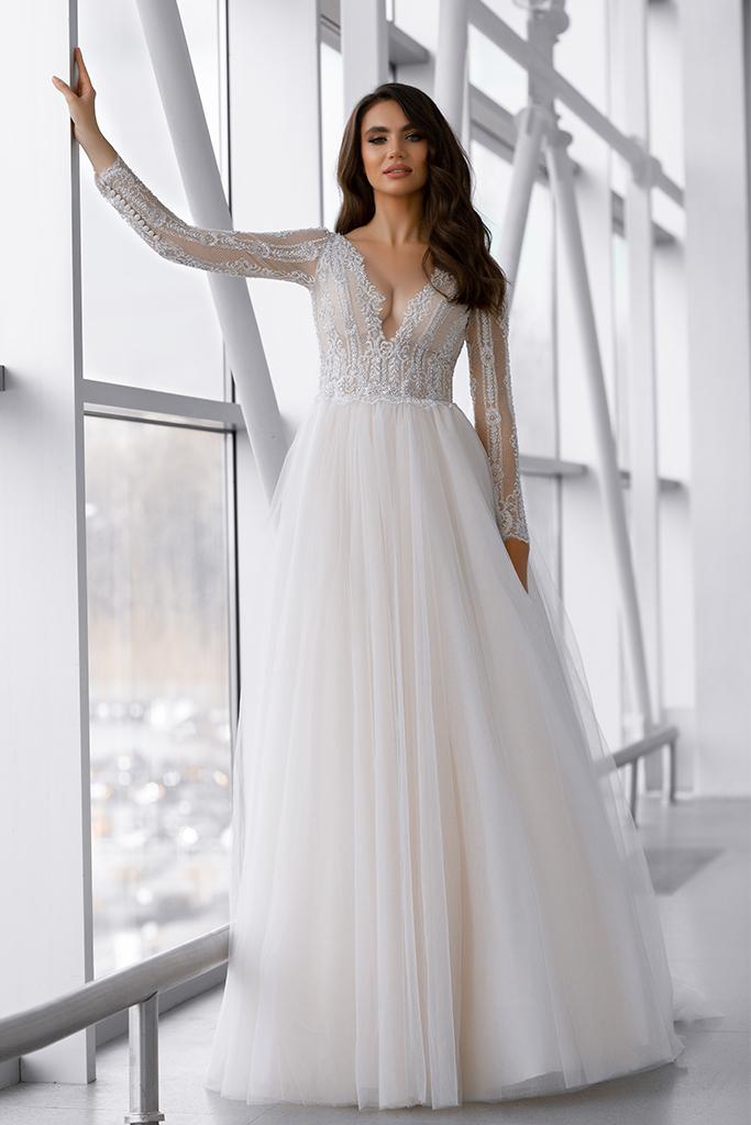 Wedding dress Marlen 侧影  A剪影  颜色   脸红   象牙  切口  甜心形状  袖子   长袖  拖地后襟  有 衣服的可拆卸系