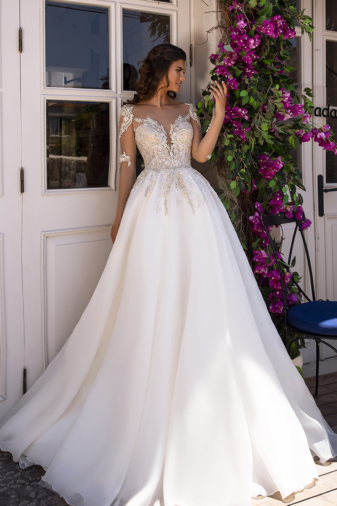 Wedding dress Miranda  Silhouette  A Line  Color  Cappuccino  Ivory  Neckline  Sweetheart  Sleeves  Long Sleeves  Train  With train