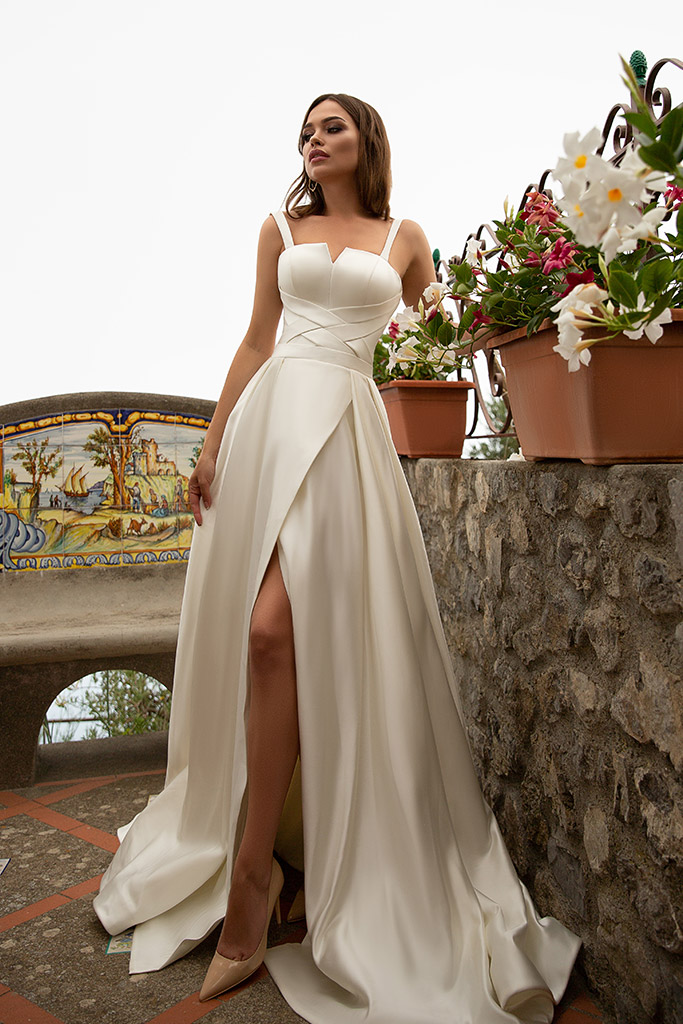 Wedding dress Nevada Silhouette  A Line  Color  Сhampagne  Neckline  Straight  Sleeves  Sleeveless  Train  With train
