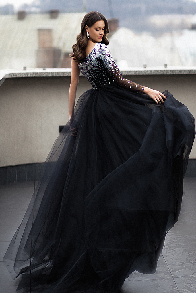 Evening dresses 1678