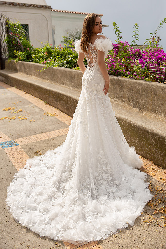 Wedding dress Flamenko Silhouette  Fitted  Color  Ivory  Neckline  Sweetheart  Sleeves  Off the Shoulder Sleeves  Train  With train