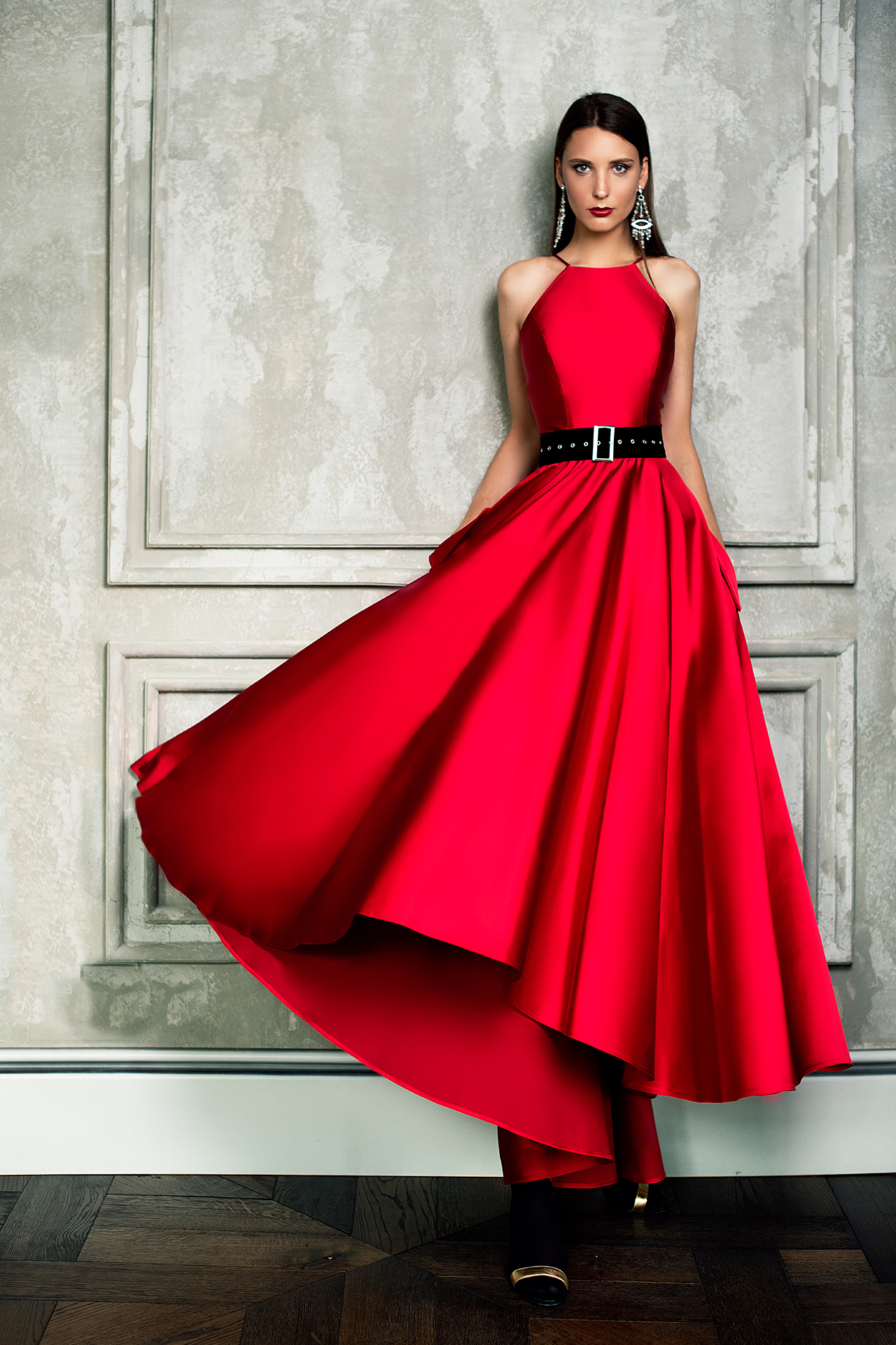 Evening dresses №1361-1 Silhouette  A Line  Color  Red  Neckline  Halter  Sleeves  Sleeveless  Train  No train