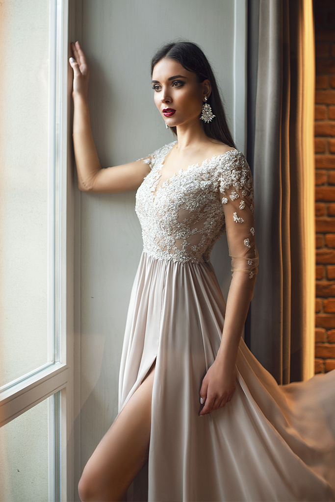 Evening dresses №1397  Silhouette  A Line  Color  Silver  Neckline  Sweetheart  Sleeves  3/4 Sleeves  Train  No train