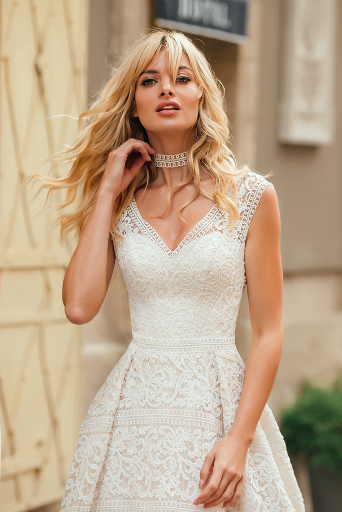Wedding dress Live Silhouette  A Line  Color  Ivory  Neckline  Queen Anne  Sleeves  Sleeveless  Train  With train