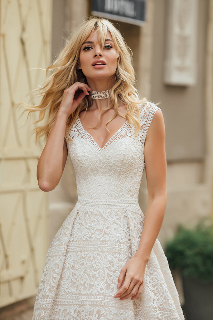 Wedding dresses Live Collection  City Passion  Silhouette  A Line  Color  Blush  Ivory  Neckline  Portrait (V-neck)  Sleeves  Wide straps  Train  With train