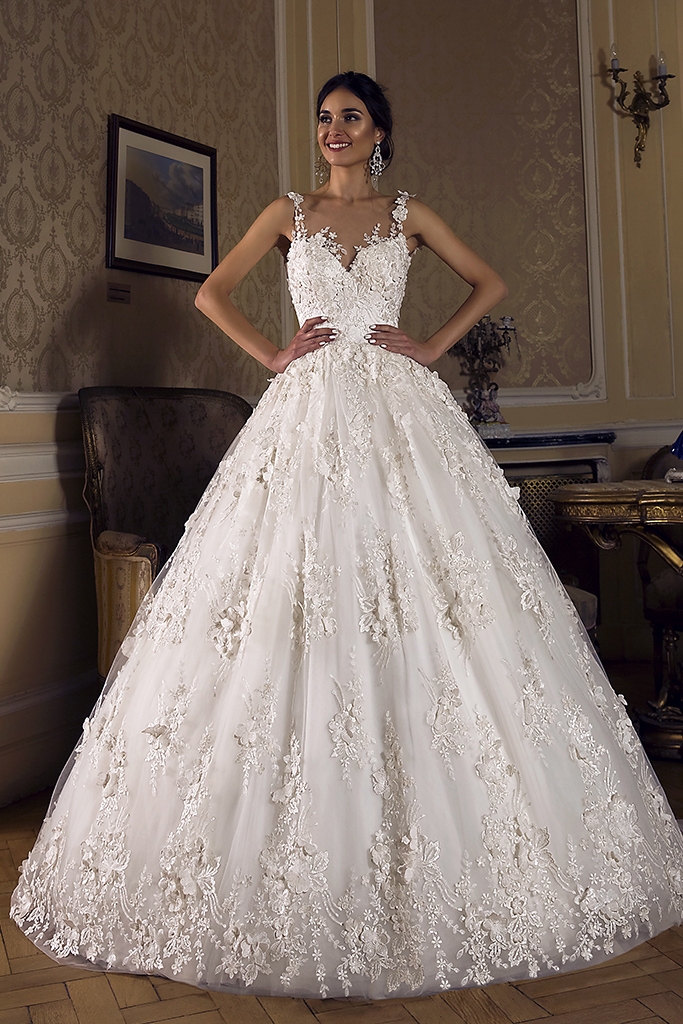 Wedding dress Rosalinda Silhouette  Ball Gown  Color  Ivory  Neckline  Sweetheart  Sleeves  Sleeveless  Train  With train