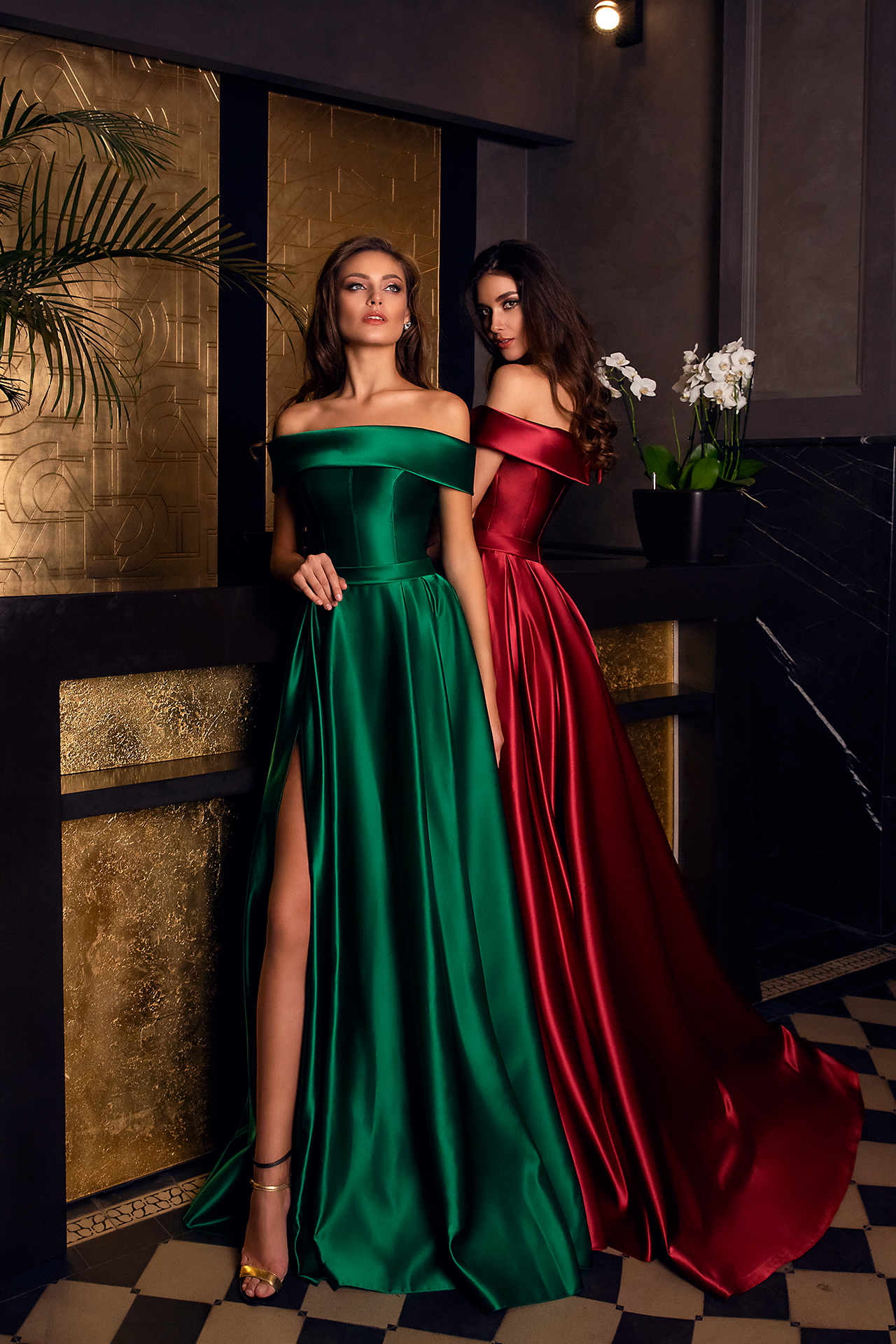 Evening gowns S-1537 green Silhouette  A Line  Color  Blue  Green  Black  Red  Neckline  Straight  Sleeves  Off the Shoulder Sleeves
