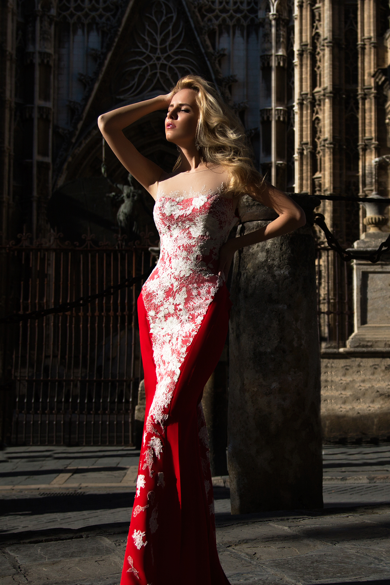 Evening gowns 922 Silhouette  Fitted  Color  Red  Neckline  Sweetheart  Sleeves  Sleeveless  Illusion Straps  Train  With train