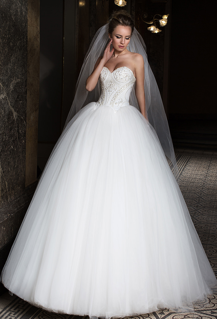Wedding dresses Anna Collection  Supreme Classic  Silhouette  Ball Gown  Color  Ivory  Neckline  Sweetheart  Sleeves  Sleeveless  Train  With train