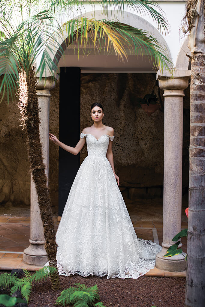 Wedding dresses Light
