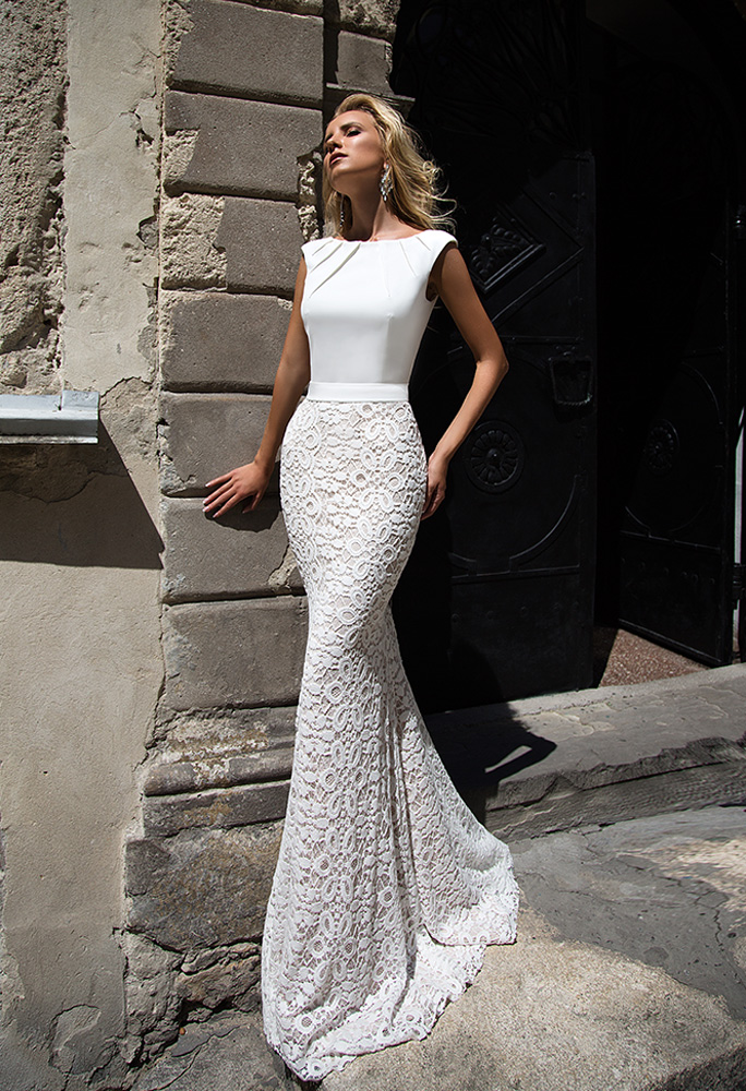 Wedding dresses Andrea Collection  Supreme Classic  Silhouette  Fitted  Color  Ivory  Neckline  Scoop  Sleeves  Wide straps  Train  With train